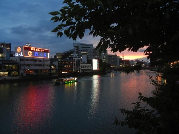 福岡・那珂川沿い
